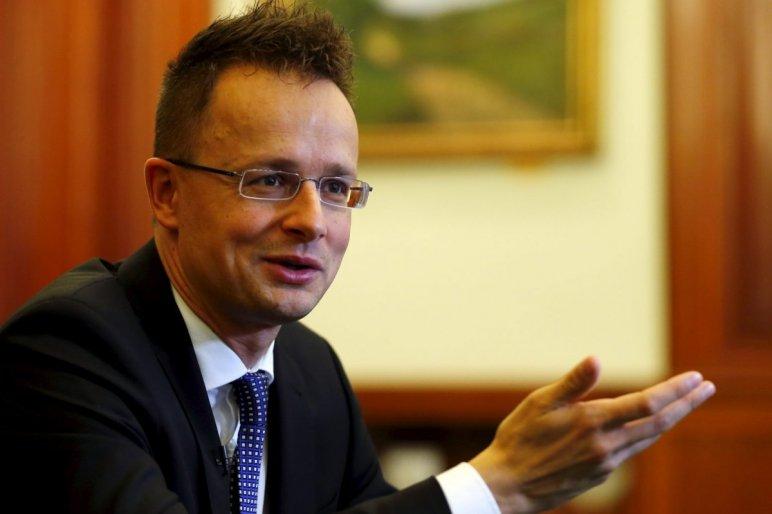 Pompeo nyilatkozat: Szíjjártó blokkolta az EU egységes elítélő válaszát