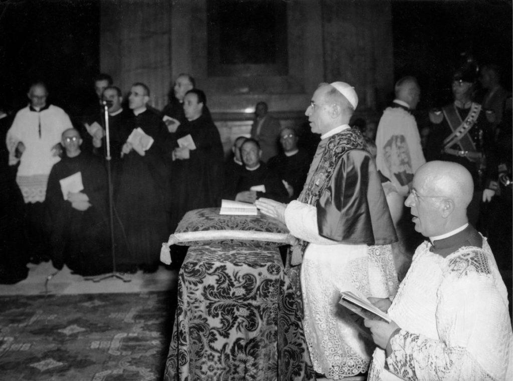 Vatikán: hozzáférhetők a XII. Piusz pápára vonatkozó dokumentumok
