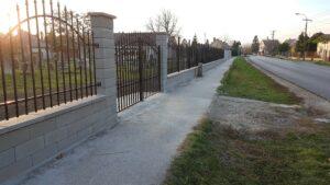 Berhidán felújították a zsidó temető kerítését