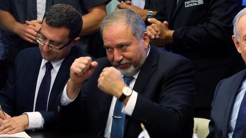 Liberman: Egységkormány kell, Likud-Kék-Fehér nagykoalíció