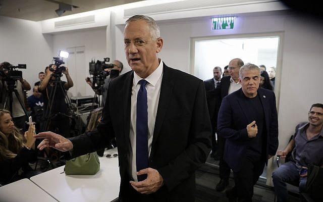 Gantz elutasította a Netanjahu féle jobboldali-vallásos blokkal való koalíciót