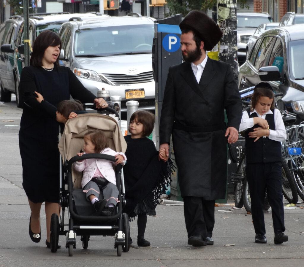 New York: megkéseltek egy ortodox zsidó férfit