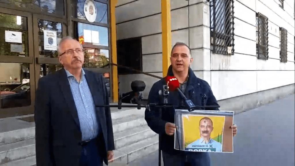 Dávid-csillaggal összefirkált plakát miatt tesz feljelentést az ellenzéki polgármesterjelölt