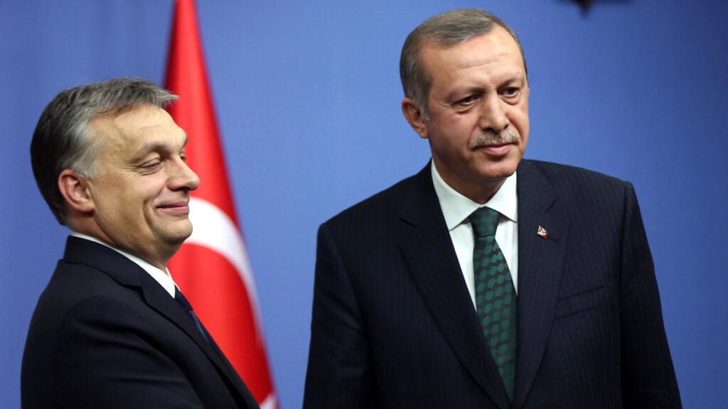 EPP: világossá kell tenni, hogy Magyarország melyik csapatban játszik