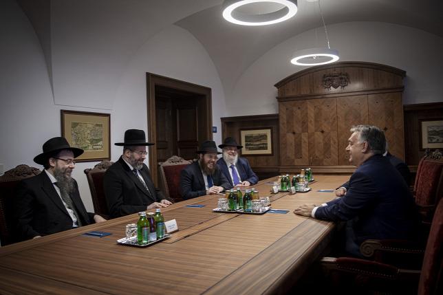 Orbán Viktor az izraeli főrabbi táraságában fogadta Köves Slomót