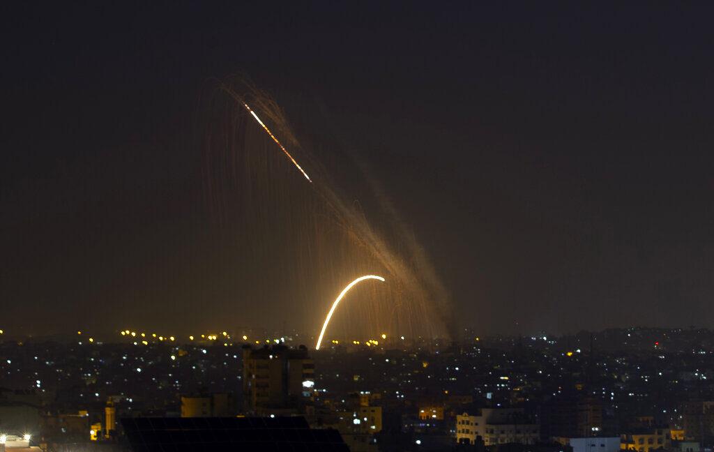A Hamasz megsértette a tűzszünetet, Izrael visszalőtt