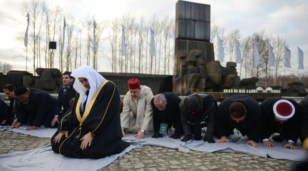 Moszlim delegáció Auschwitzban