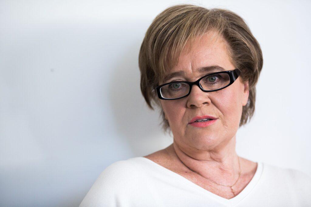 21 zsidó szervezet is kéri Siklósi Beatrix felmentését