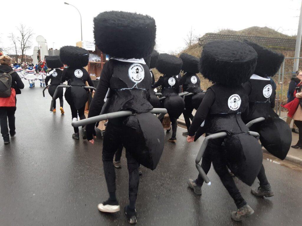 Belgium: a zsidók, mint rovarok a karneváli felvonuláson