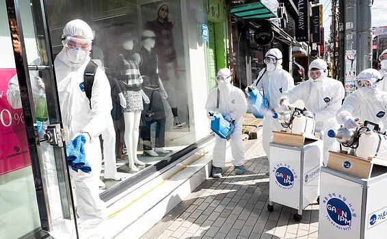 Amerikai és izraeli eredmények a koronavírus elleni védőoltás terén