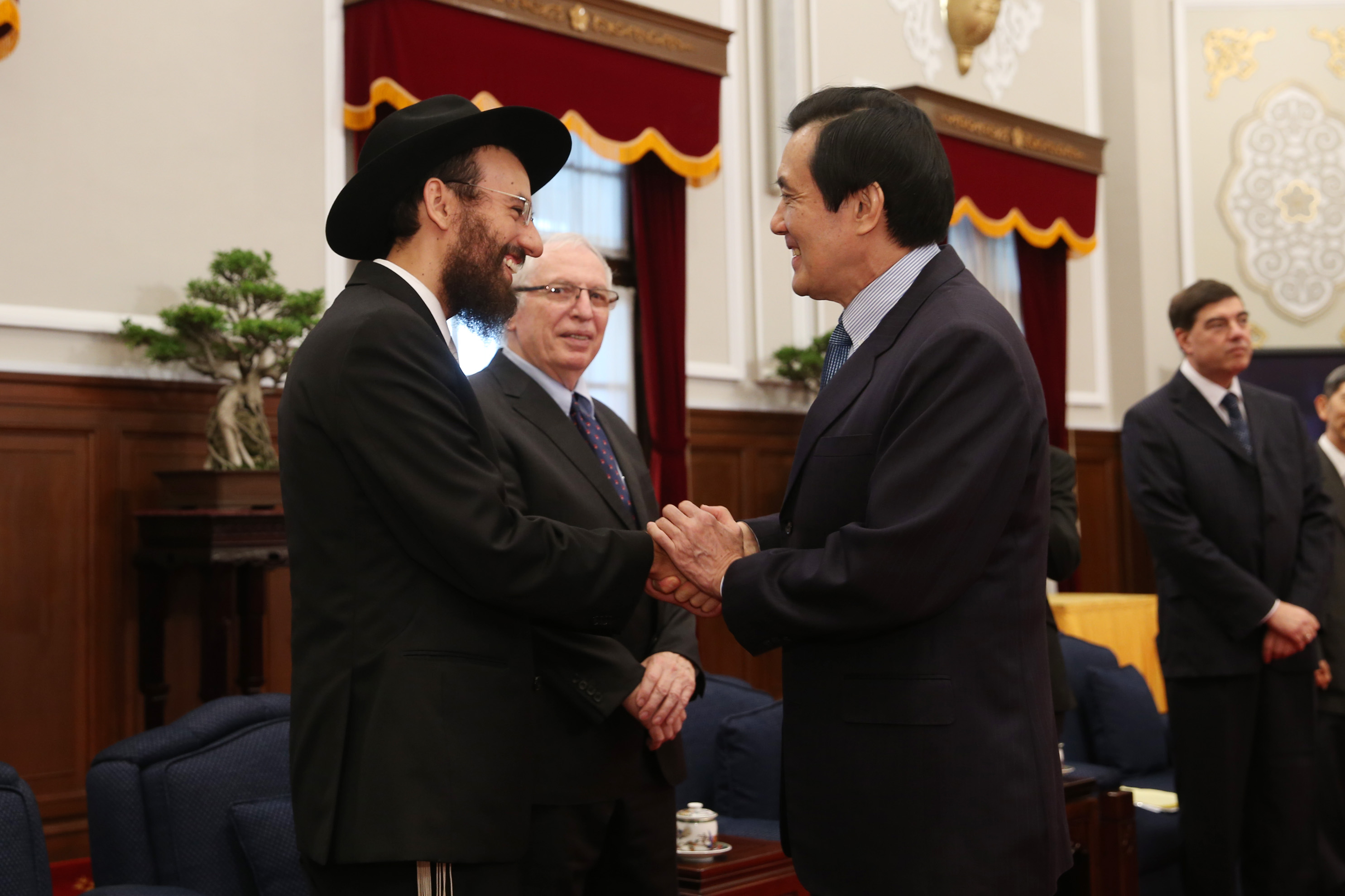 """Ros hasanakor 300-an vagyunk"" – a tajvani rabbi optimista"