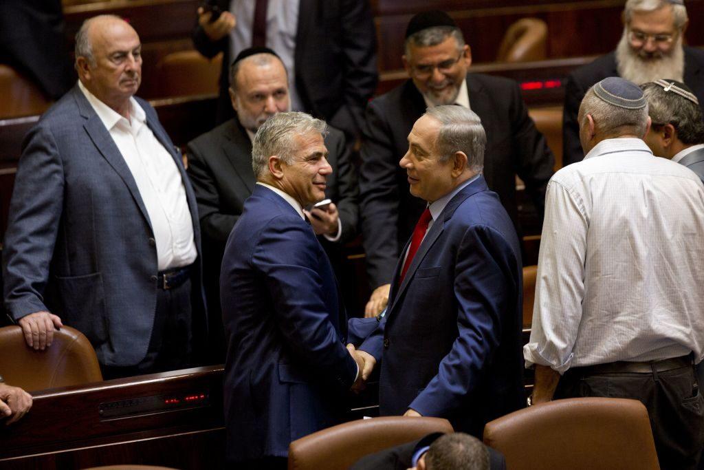 Jáir Lapid mesterterve Netanjahu megbuktatására
