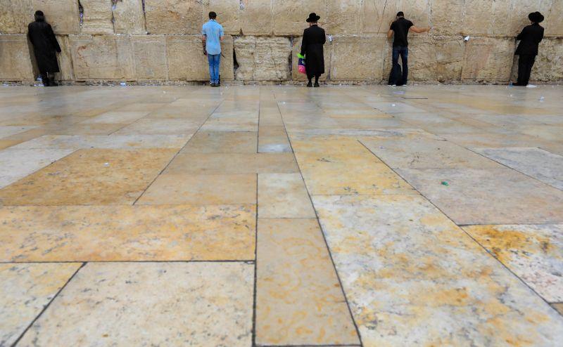 Kinyithatnak az izraeli zsinagógák