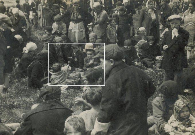 Megrázó kép Auschwitzból, magyar zsidók az elgázosítás előtt