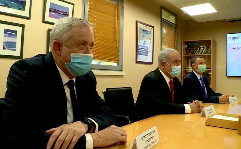 Netanjahu és Ganz vitája a zárlat hosszabbításáról