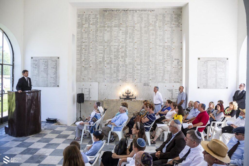 Közel kétezer elhurcoltra emlékeztek Sopronban