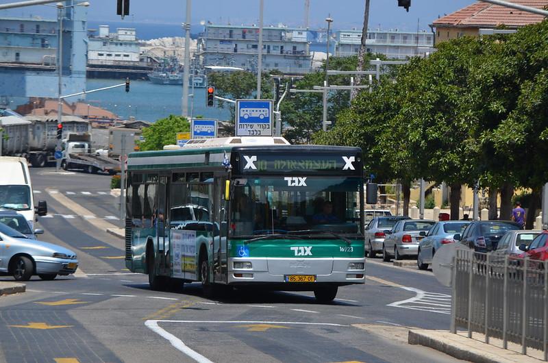 Járvány miatt korlátozzák az izraeli tömegközlekedést