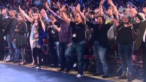 """Izrael: Felfüggesztették """"Isten tévéje"""" működési engedélyét"""