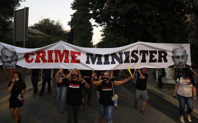 Izraelben a járványra hivatkozva korlátozzák a tüntetéseket