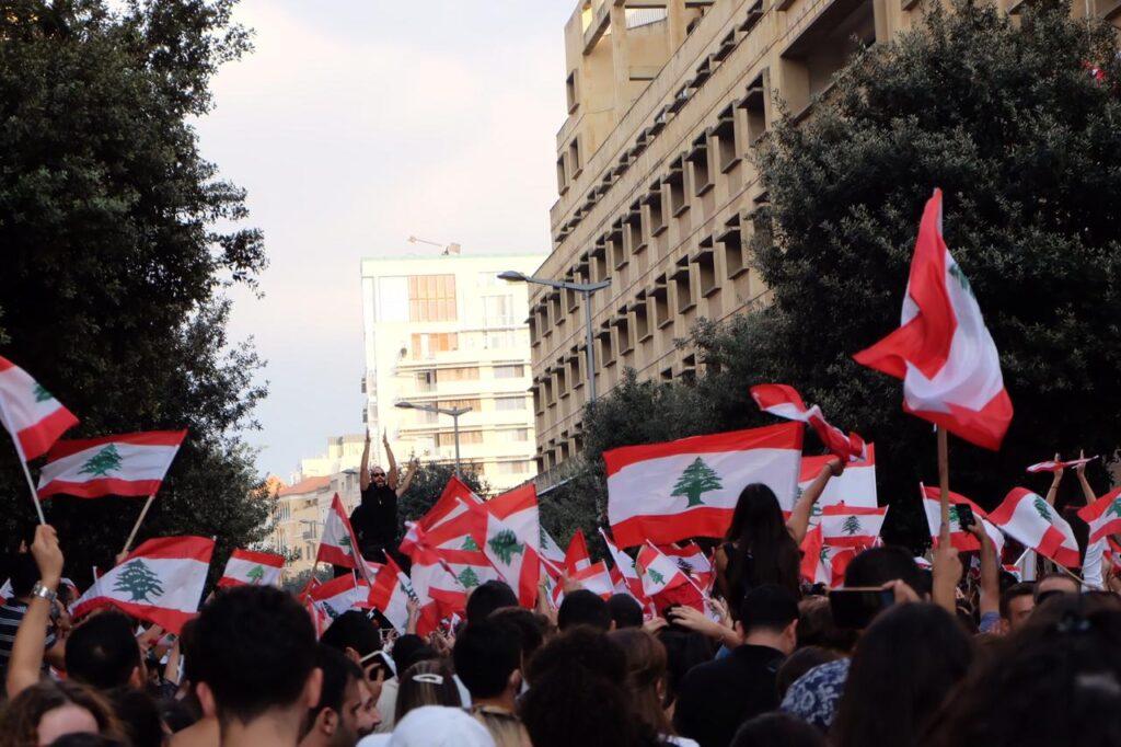 """""""A korrupció demokratizálódott"""" – Libanon ismét a tönk szélén"""