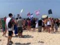 Vidám tengerparti tüntetés Netanjahu ellen
