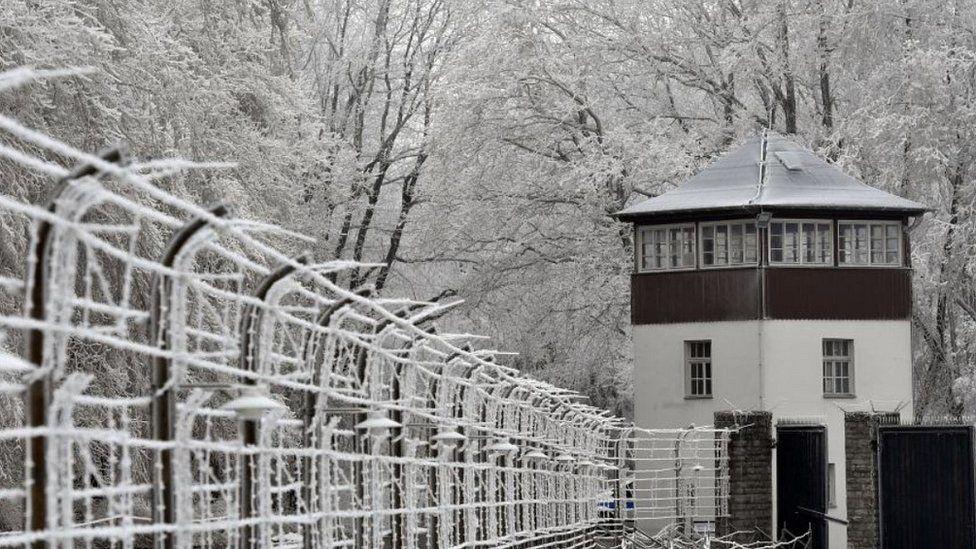 Sokan szánkózni járnak Buchenwaldba