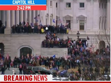 Trump-párti tüntetők megostromolták a Capitoliumot