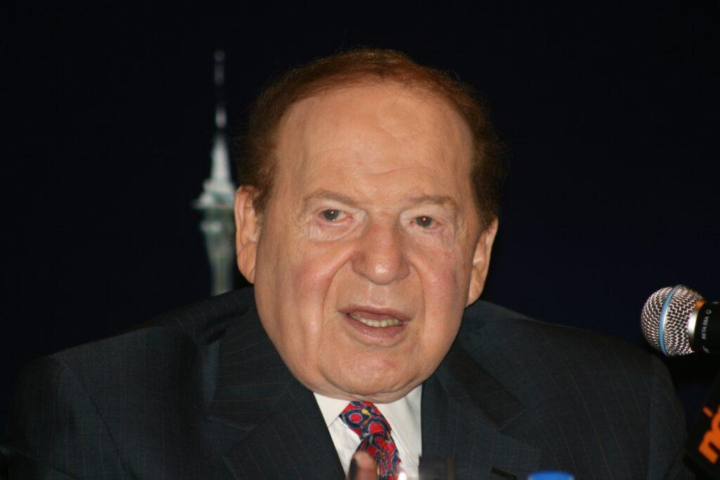 Meghalt Sheldon Adelson kaszinómágnás, Netanjahu és Trump legfőbb támogatója