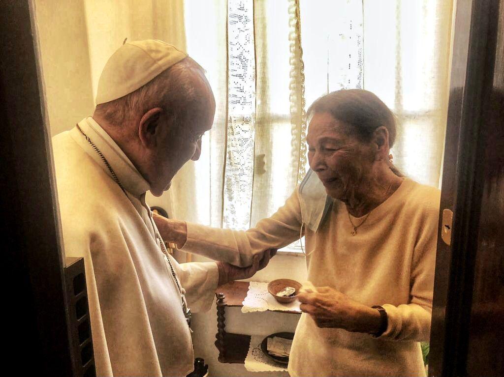 Ferenc pápa Bruck Edith magyar holokauszttúlélő olasz írónővel találkozott | Szombat Online