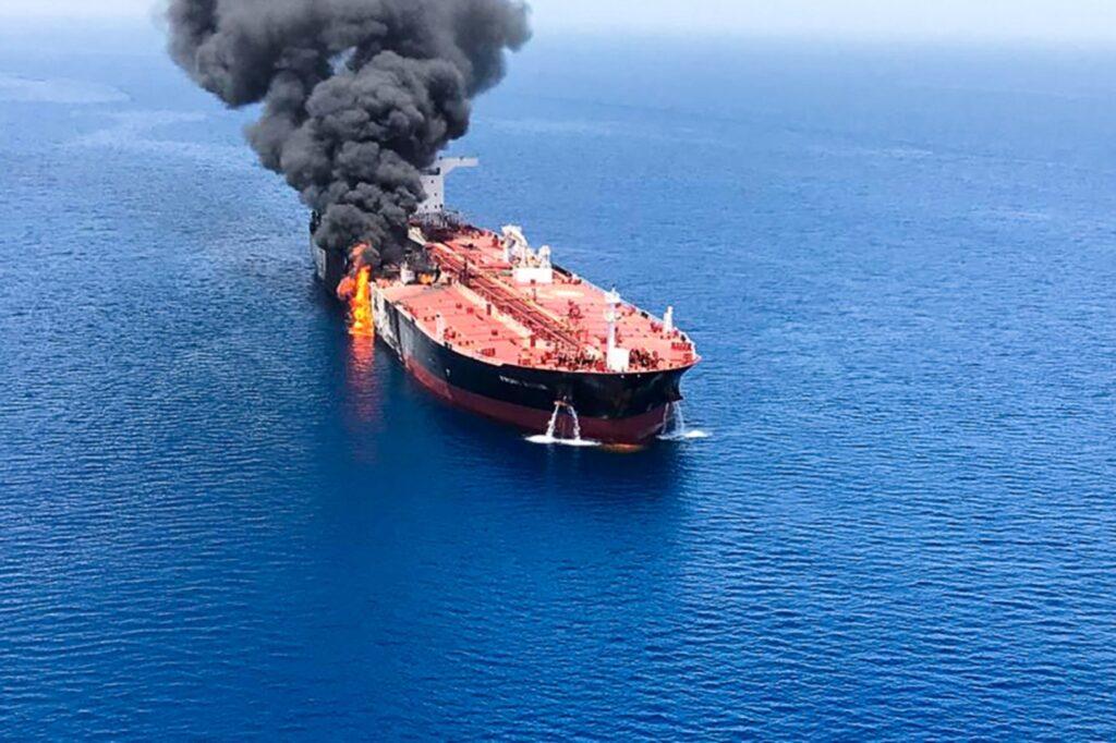 Robbanás történt egy izraeli teherhajón az Ománi-öbölben