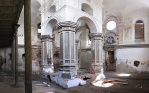 Használt autó áráért lehet zsinagógát vásárolni Kelet-Európában