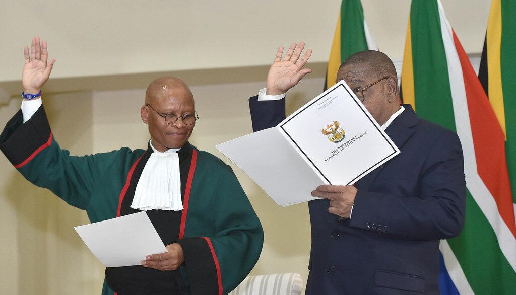 Izrael-barát kijelentésekért kell bocsánatot kérnie a dél-afrikai főbírónak