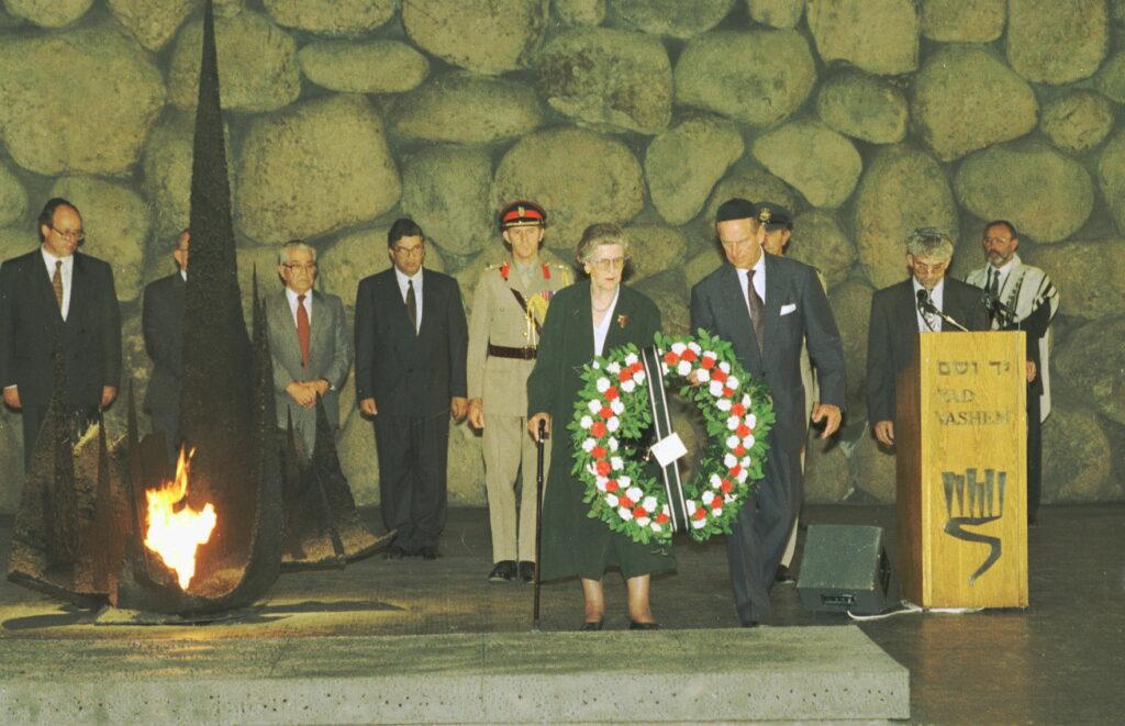 A brit zsidó közösség lerója kegyeletét Fülöp herceg emléke előtt
