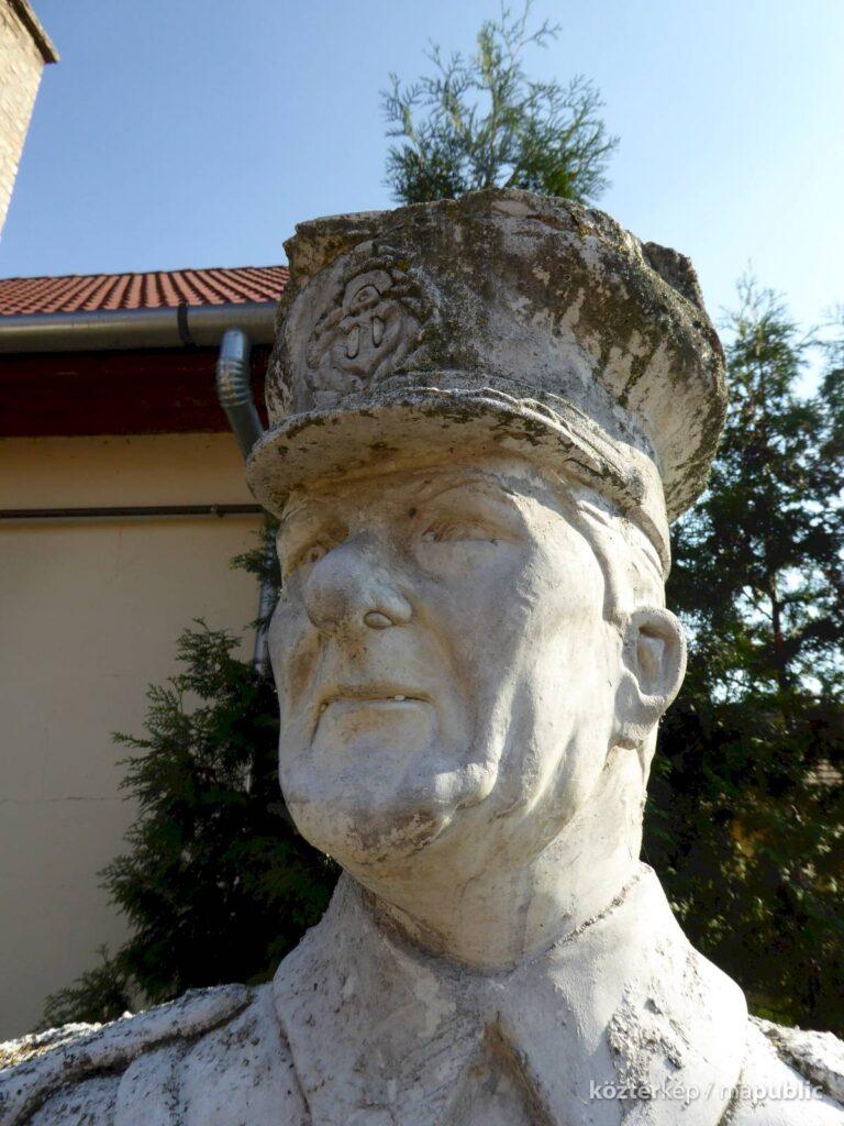 Horthy szobrot avattak Hajdúbagoson