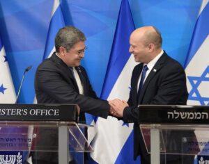 A hondurasi elnök felavatta országa nagykövetségét Jeruzsálemben