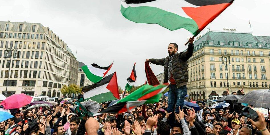 Az imperializmus elleni küzdelem élharcosai valahogy mindig Izraelnél lyukadnak ki | Szombat Online