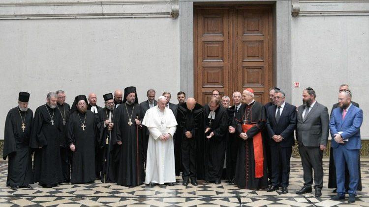 Radnótit és a Bori noteszt idézte a pápa | Szombat Online