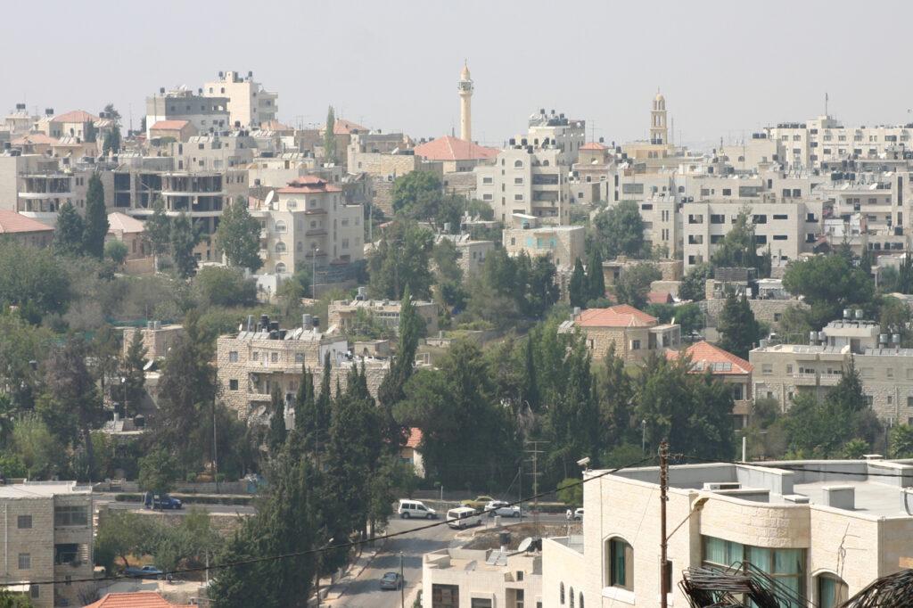 """Palesztin bíróság: 15 év kényszermunka """"földeladásért"""""""
