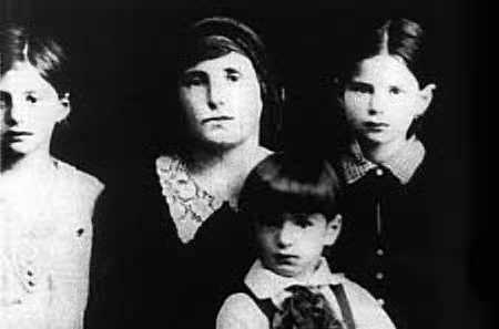 elie wiesel and his family.jpg