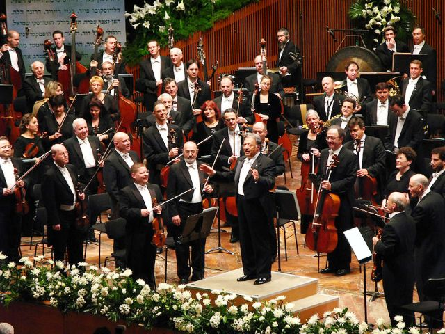 800px-Israel_Philharmonic_Orchestra.jpg