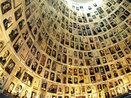 yad_vashem_hall_of_names_by_david_shankbone web.jpg