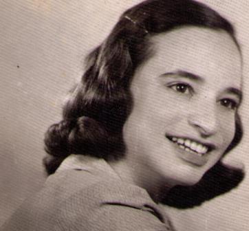 nagymama194403 web.jpg