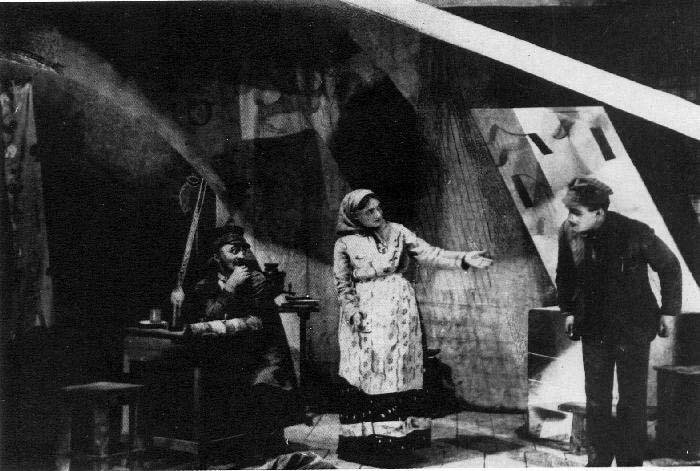 és maga az előadás, melynek díszletét Chagall tervezte.jpg