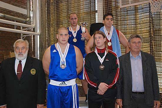Sávoly Gergő (balról a második)