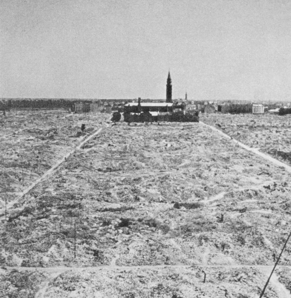 Warsaw_Ghetto_destroyed_by_German_forces,_1945