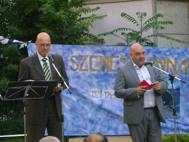 Ilan Mor izraeli nagykövet (balra)