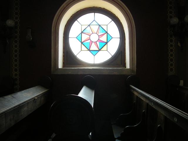 pécsi zsinagóga enteriőr