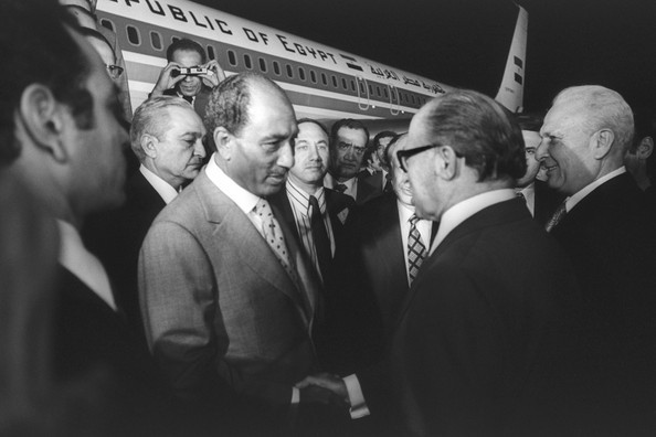 284548-israeli-prime-minister-menachem-begin-and-egyptian-president-anwar-sad