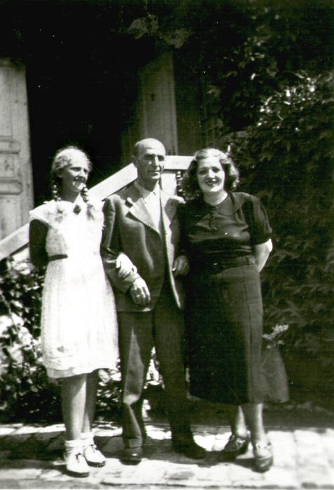 Rosenfeld Sándor a családjával