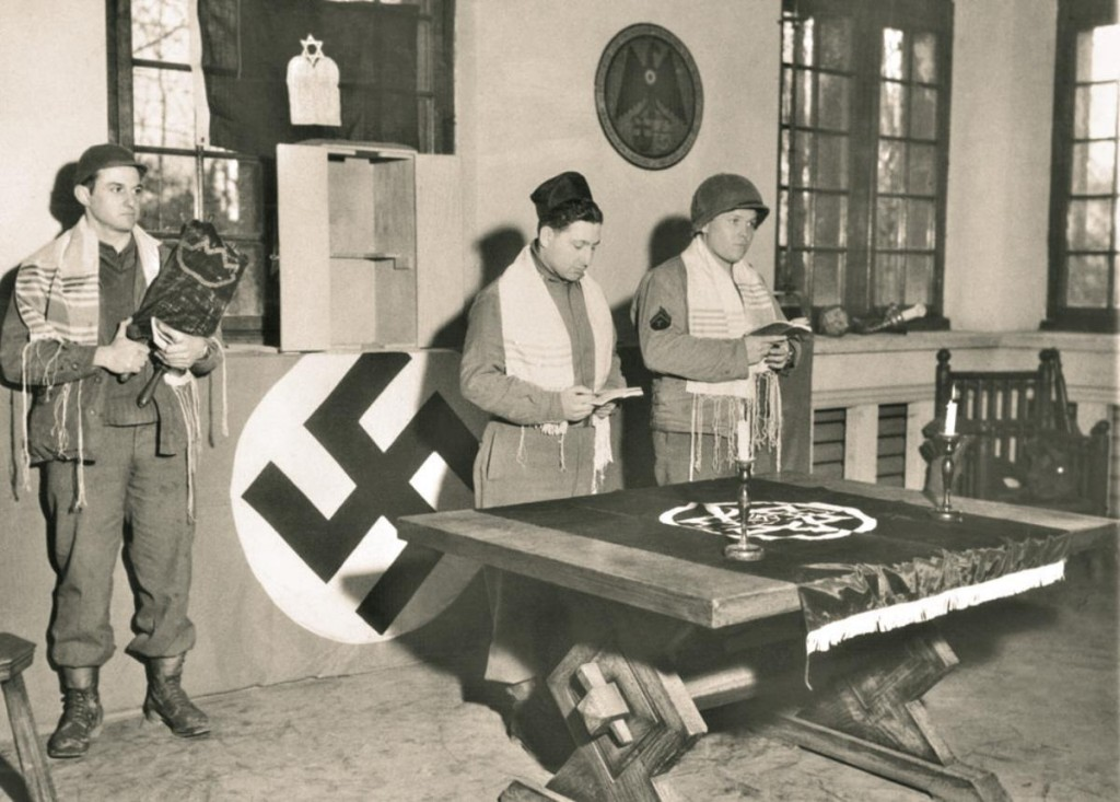 WWII jewish-soldiers-at-a-nazi-facility